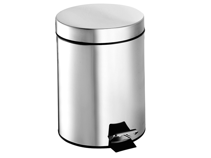 Chromed steel dustbin, with opening pedal 5L